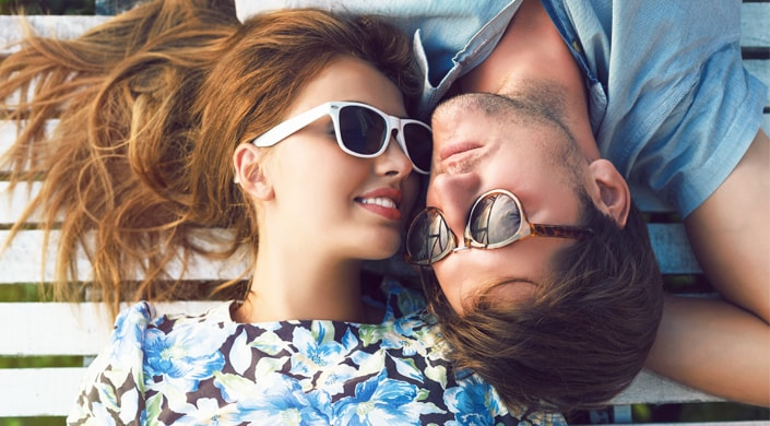 infertilidad pareja gafas